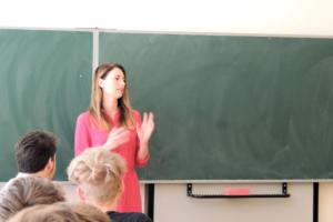 Beseda s redaktorkou a moderátorkou České televize